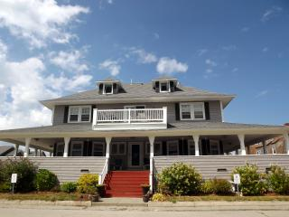 Nantasket-steps to Sandy BEACH-Great location & price-Booking Summer 2019