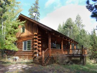 Magical Maluhia LOG CABIN on 5 Rural private acres, Sunriver