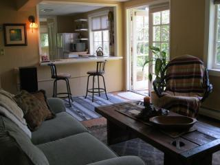 Carmel Highlands Garden Apartment