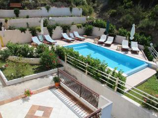 Luxury apartments with swimming pool - A1