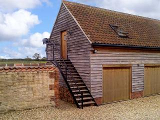 GRANARY LOFT, studio apartment, pet-friendly, romantic retreat near Grantham, Ref. 903732, Knipton