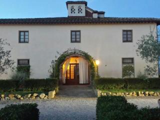 Manor di Cortona con sauna, piscina all'aperto e, Castiglion Fiorentino