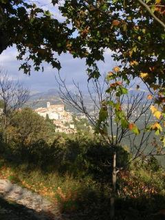 vue du village de Bouyon