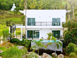 Villa T(h)ree