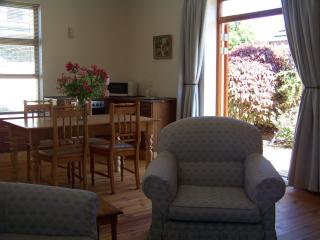 Self catering cottage close to beach, golf courses, Strand