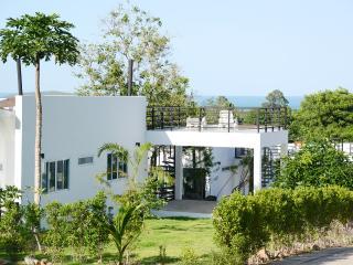 The Graham Villa