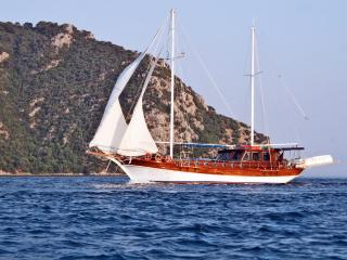 M200 Marmaris Port 6 Cabins Yacht for Blue Cruise