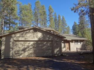 East Butte 23 Third Night Free Over Presidents Day Weekend, Sunriver