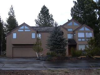 Tournament 2 Lovely home with plenty of room as well as nice decor., Sunriver