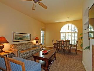 One Bedroom, One Bath Downstairs Legacy Villas Hideaway with a Barbecue!, La Quinta