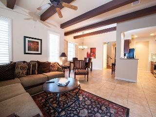 A Secluded Two-Story Legacy Villas Townhome Tucked Up Against The Mountains!, La Quinta