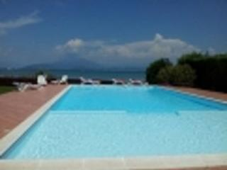 RENT GARDA LAKE SIRMIONE- TERME-thermal treatm