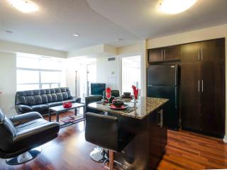 Royal Stays 2 BDR Apartment - Square One - Grand 1, Mississauga