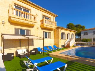 Villa Verano -  For 16 people with private pool and air conditioner.