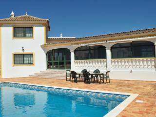 Villa With Breathtaking Views Over Sea And Faro, Santa Bárbara de Nexe