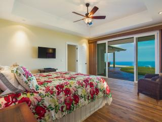 Sensational Ocean Views with Panoramic Sunset, Kailua-Kona