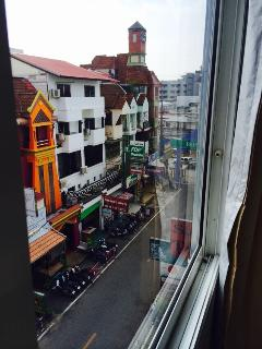 Beautiful view of Lively street from room windows