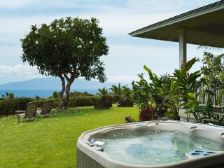 Handcrafted Plantation Home - King Bedroom Suite, Lahaina