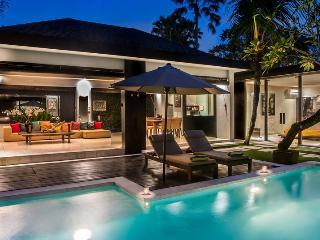 Kembali, Luxury 2 BR Villas, near beach, Seminyak