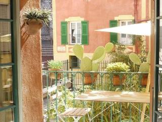 Malonat - 2 Bedroom Rental in the Old Town of Nice