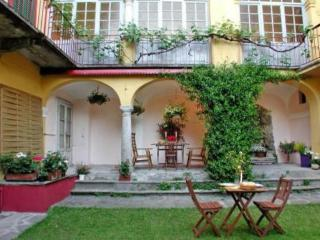 Property with garden, 3 BR / 3 BH, Free Wi-Fi, Varese