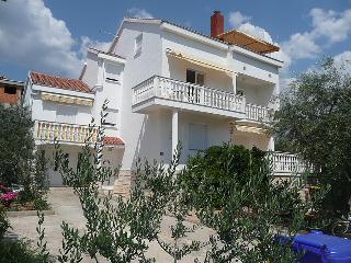 Villa Estera with pool, studio to rent in Croatia, Biograd na Moru
