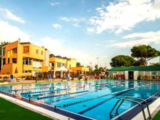 New flat with swimming pool & fitness center, close to Rome and the beach