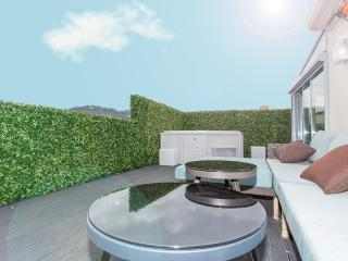 Beautiful penthouse with Jacuzzi 240, Cannes