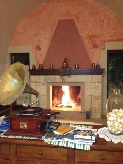 Il rosmarino unit : suggestivo camino; beautiful fire place
