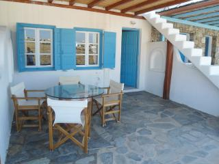 Mykonos  maisonette by the sea, Kalafatis