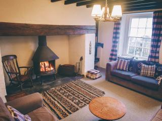 Sitting room with wood-burning Jotel stove
