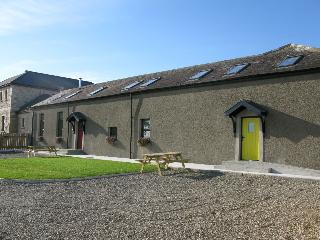Luxury Ballynahatten Cottages -Yellow Door Cottage, Kilkeel