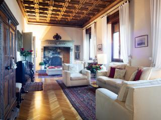 Tuscany luxury 5 bedroom villa near Arezzo with private pool (BFY129)