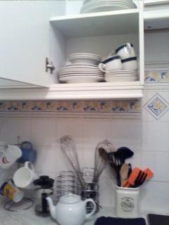 hotel-ware crockery, teapot, cafettiere