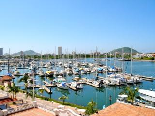 Beautiful Condo in Marina Mazatlan- PORTOFINO