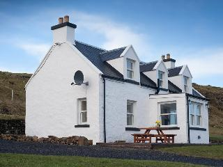 Isle of Skye Retreats- An Creagan 4 Star Cottage, Milovaig