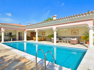 Luxury Villa with Pool next to Puerto Portals