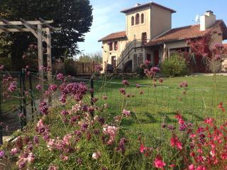 La Grange Terrou - Maison de la Tour, Confolens