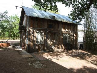 Elke's Horse Barn, Fredericksburg