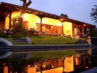 Alquiler de Casa Vacacional en La Reunion Golf, Antigua