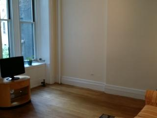 Large One Bedroom Apartment steps to Central Park, New York City