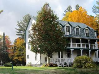Annex Cottage - Clyffe House Cottage Resort, Muskoka District