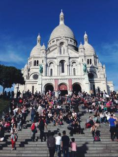Sacré Coeur-A 10 min. walk from the apartment
