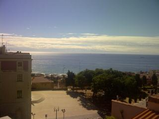 Buhardilla con vistas al mar en centro histórico, Tarragona
