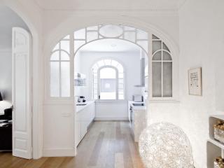 White Stylish Suite Paseo de Gracia, Barcelona