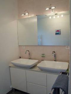 Salle de bain double vasque et douche italienne
