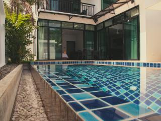 3 BED POOL VILLA 5 Minute walk to Rawai Beach.