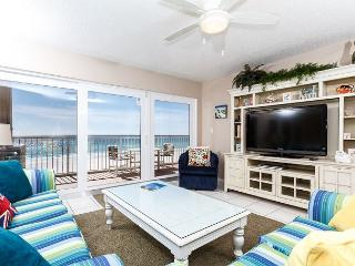 #4011:Get Swept away by the magic of the sea in this GRANDIOSE 3 BR condo!