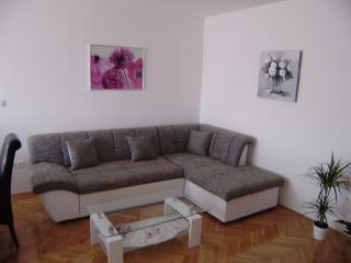Apartment Larus 160 - 4+2, Trogir