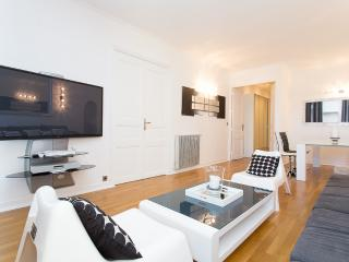 Luxury 3 bedrooms / 3 bathrooms next Palais 422, Cannes